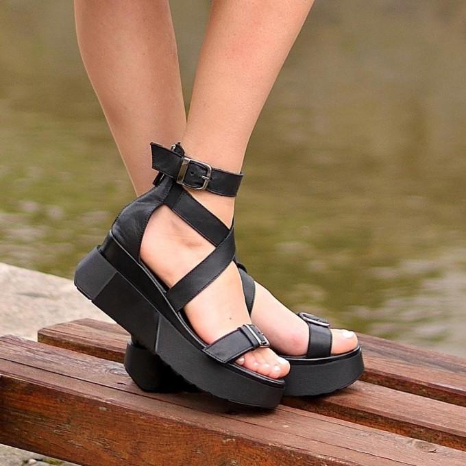 Дамски сандали Sandra black